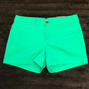 "Banana Republic ☘️ Green 3.5"" Shorts - Size 8 NWT"